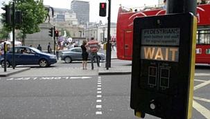 AB ülkeleri seyahatlerde trafik lambası sistemine geçiyor