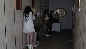 Oteli gece kulübüne çevirenlere ceza yağdı!