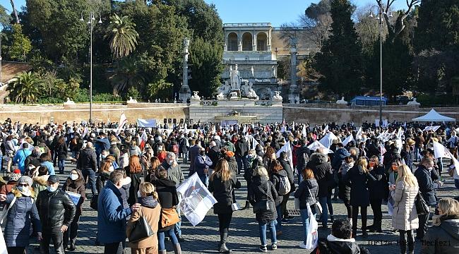 'Hükümet yardım etmiyor' diyen turizmciler sokağa indi!