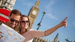 İngiliz bakanın tatil planı yapmayın açıklamasına turizmcilerden sert tepki!