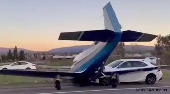 İniş yapan uçak arabaya çarptı!
