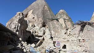 Kapadokya'da peribacaları yıkılıyor!