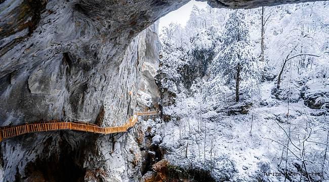 Dünyanın en derin ikinci kanyonu Valla, turist akınına uğruyor