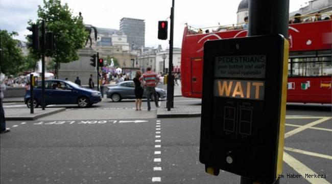 İngiltere'den yurtdışı seyahatler için yeni Trafik IşığıSistemi!