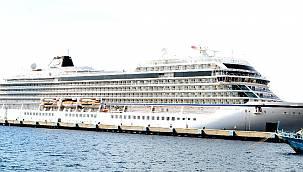 Sezonun ilk cruise gemisi Bodrum'a geldi