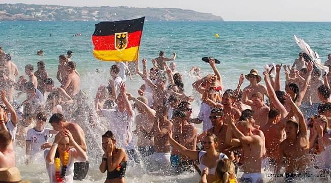 Almanya'dan Türkiye'ye müjdeli haber! Yurt dışı tatile izin çıktı
