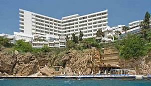 Yıkımına başlanan Divan Talya Otel'in yeniden açılacağı tarih belli oldu