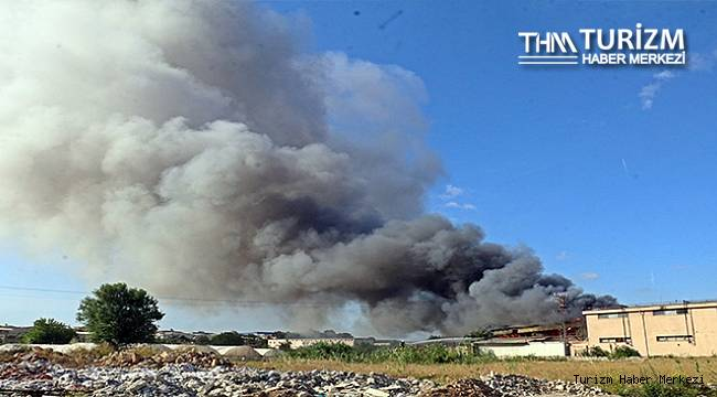 Antalya'daki otel ekipmanları deposunda büyük yangın!