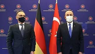 Bakan Çavuşoğlu: ''Turistin görebileceği herkes Mayıs sonuna kadar aşılanacak''