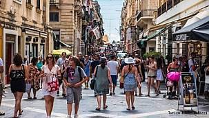 Ülkenin Turizm Bakanı açıkladı! Gelen yabancı turiste 200 Euro verilecek