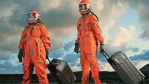 Uzay turisti olmak için milyon dolarlar havada uçuşuyor!