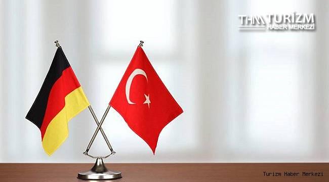 Almanya'nın seyahat kararı Türkiye turizmini nasıl etkileyecek?