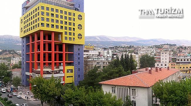 Kahramanmaraş'taki dünyanın en saçma binasının akıbeti belli oldu