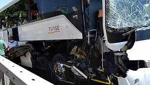 Antalya'da turistleri taşıyan otobüs kaza yaptı! Can pazarı yaşandı