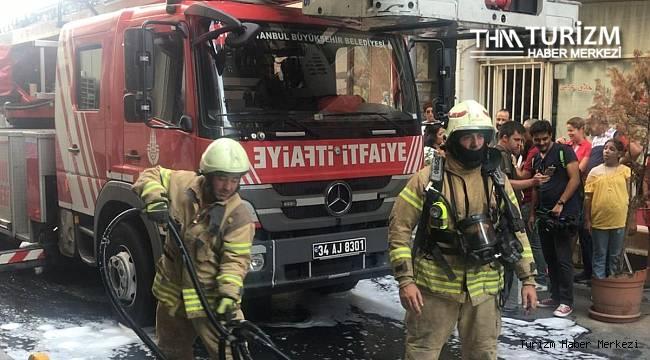 İstanbul Fatih'teki 4 katlı otelde yangın!
