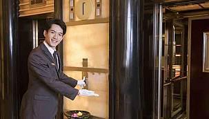 Otelden akıl almaz ayrımcılık! Yerli ve yabancı turist için asansörleri ayırdılar