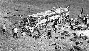 Yolcu otobüsü takla attı! Çok sayıda ölü ve yaralı var