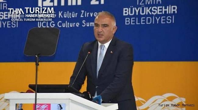 Bakan Ersoy Kültür Zirvesi'nde konuştu: ''Gidişat pek iyi değil''
