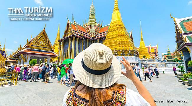 Bir ülke daha aşılı turistlere kapılarını açıyor