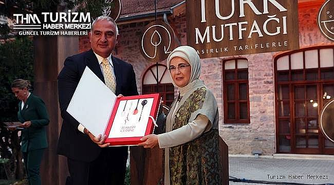Emine Erdoğan'ın bütçesi Kültür ve Turizm Bakanlığı'ndan karşılanan kitabı ile ilgili açıklama!