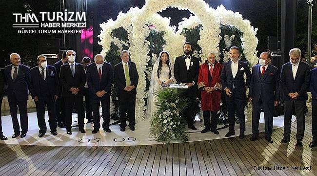 Skandalların göbeğindeki otelin sahibi torununu evlendirdi! Düğünde takılanlar şaşırttı