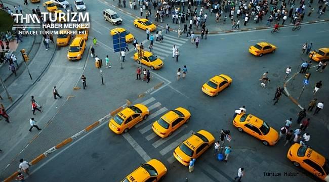 Taksici terörü hız kesmiyor! Anadolu yakası için vize lazım deyip turisti dolandırdı