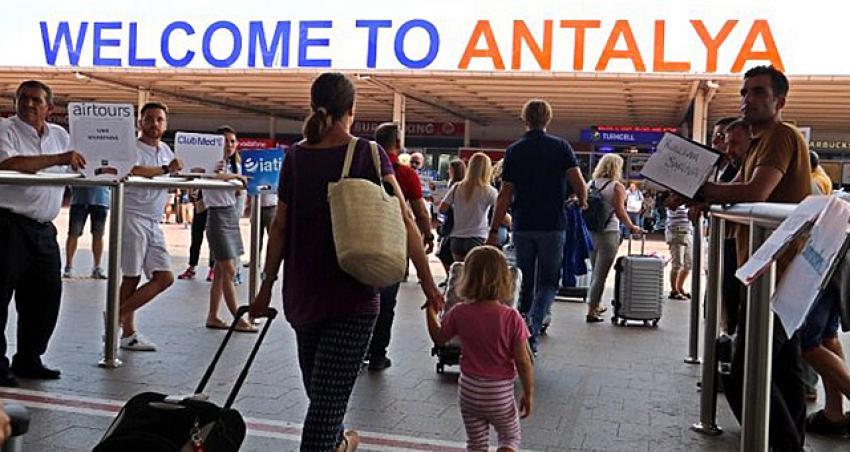 İşte yeni normalde Antalya'ya 1 haftada gelen turist sayısı
