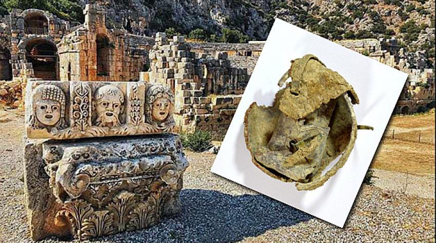 Antalya'da ürküten keşif! Myra Antik Kenti'nde kurşun kabın içinden kara büyü çıktı