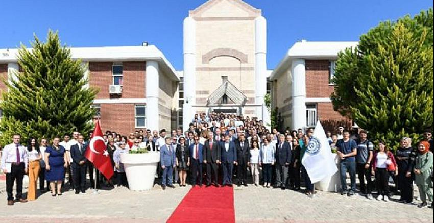 Ege Üniversitesi Çeşme Turizm Fakültesi'nde açılış heyecanı