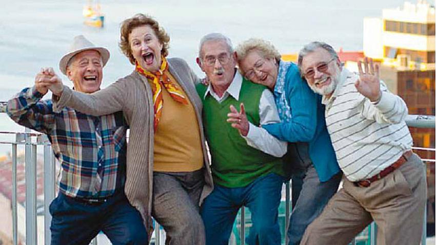 Türkiye'nin tatil bölgelerinde yaşayan yaşlı İngilizlerin akıl almaz dolandırıcılığı!