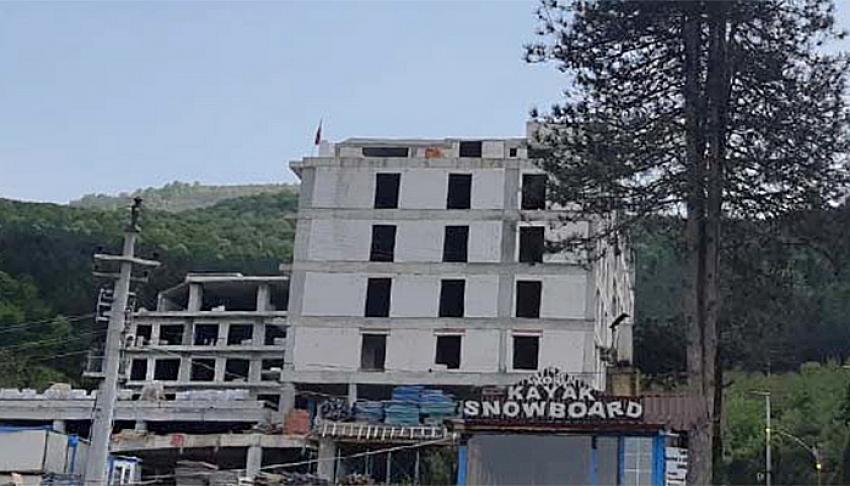 Arap yatırımcı otel inşaatını yarıda bırakıp kaçtı!
