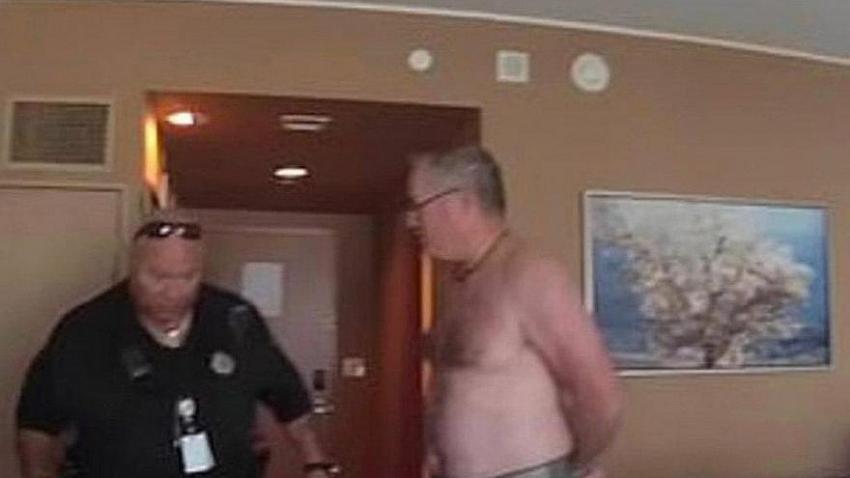 Otel odasında çıplak gezdi, rekor tazminat kazandı!