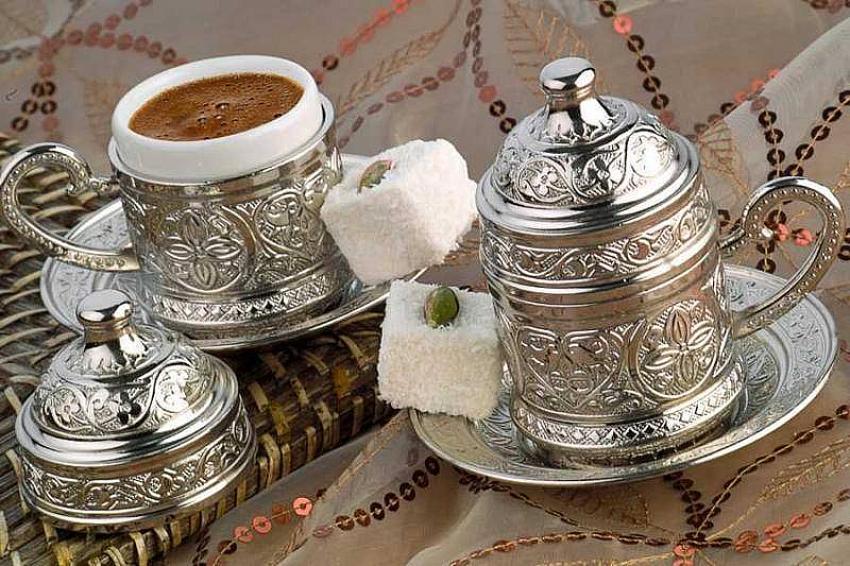 Bir fincan kahve ile bir yudum mutluluğa hazır mısınız?
